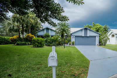 Delray Beach Single Family Home For Sale: 16725 Willow Creek Drive