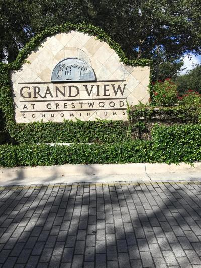 Royal Palm Beach Condo For Sale: 900 Crestwood Court S #916