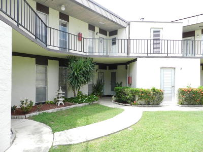 Royal Palm Beach Condo For Sale: 2 Greenway #109