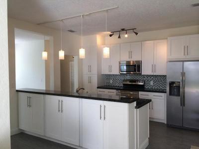 Boynton Beach Single Family Home For Sale: 1071 Fairfax Circle W