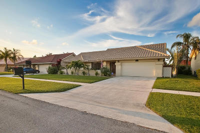Boynton Beach Single Family Home For Sale: 9601 Majestic Way