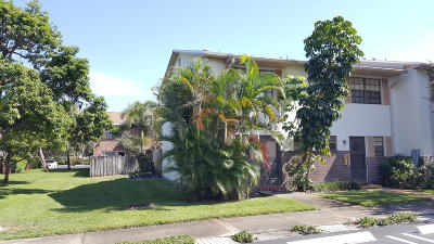 Tequesta Townhouse For Sale: 421 Cypress Drive #16