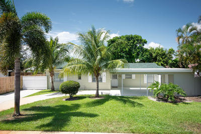 North Palm Beach Single Family Home For Sale: 713 Huckleberry Lane