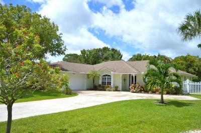 Jensen Beach Single Family Home For Sale: 940 NE Juniper Place