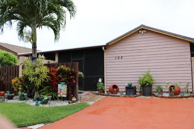 Boynton Beach Single Family Home Contingent: 2400 SW 19th Avenue #106