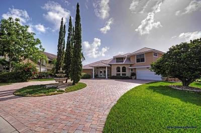 Hobe Sound Single Family Home For Sale: 8896 SE Marina Bay Drive