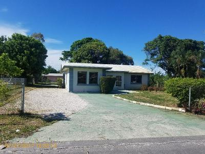 Boynton Beach FL Single Family Home For Sale: $156,000