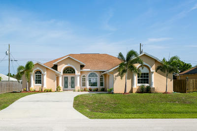 Port Saint Lucie Single Family Home For Sale: 911 SW Haas Avenue