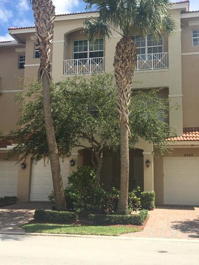Townhouse Closed: 4547 Artesa Way S