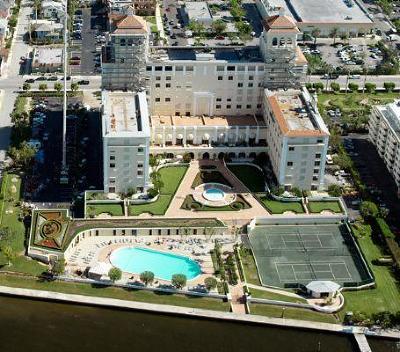 Palm Beach Condo For Sale: 150 Bradley Place #106