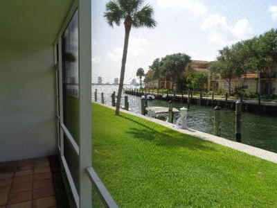 North Palm Beach Condo For Sale: 120 Lehane Terrace #106