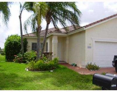 Deerfield Beach Single Family Home For Sale: 4518 SW 13 Street