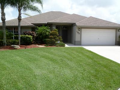 Royal Palm Beach Single Family Home For Sale: 192 Park Road