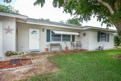 Tequesta Single Family Home For Sale: 493 Dover Road