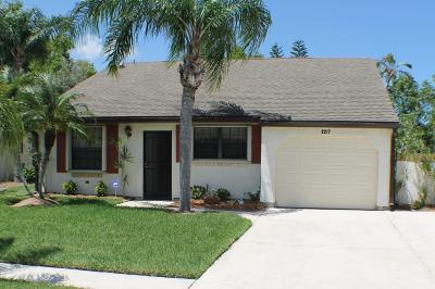 Port Saint Lucie Single Family Home For Sale: 2217 SE Barrington Street