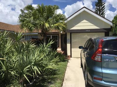 Port Saint Lucie Single Family Home For Sale: 1466 SE Larkwood Circle