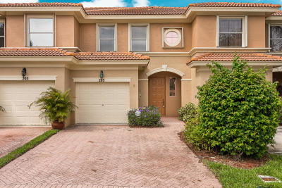 Royal Palm Beach FL Townhouse For Sale: $239,900
