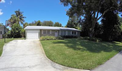 Palm Beach Gardens Single Family Home For Sale: 2359 Holly Lane