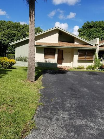 Delray Beach Single Family Home For Sale: 4331 Palm Forest Drive