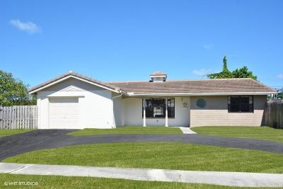 Boca Raton Single Family Home For Sale: 2298 NE 2nd Avenue