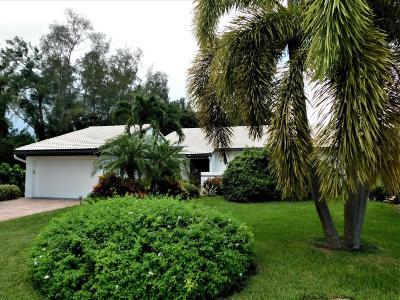 Boynton Beach Single Family Home For Sale: 72 Cambridge Lane
