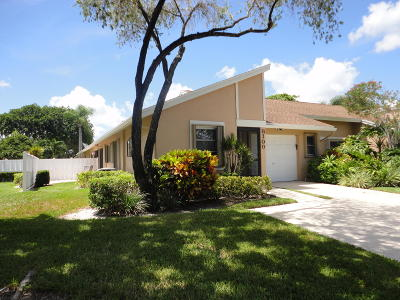 Boca Raton Single Family Home For Sale: 8100 Sweetbriar Way #A