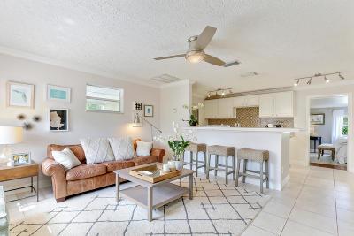 Jensen Beach Single Family Home For Sale: 3453 NE Sandra Drive