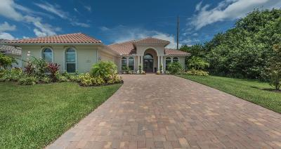 Vero Beach Single Family Home For Sale: 305 Sapphire Way SW