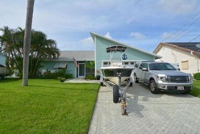Palm City Single Family Home Contingent: 1549 SW Dyer Point Road