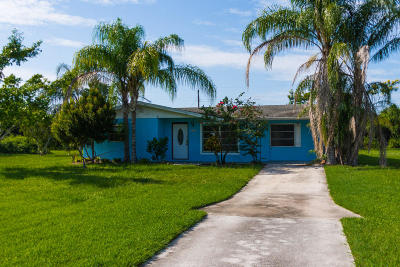 Jensen Beach Single Family Home For Sale: 2210 NW Sunset Boulevard