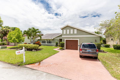 Tamarac Single Family Home For Sale: 7425 Corkwood Terrace