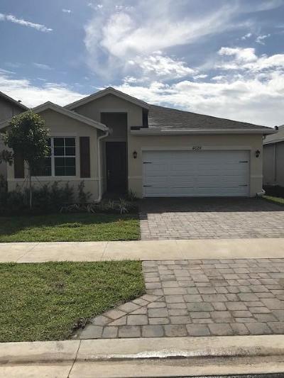 Lake Worth Single Family Home For Sale: 4028 Tomoka Drive