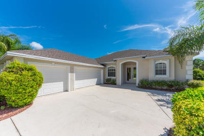 Jensen Beach Single Family Home For Sale: 2325 NW Tulip Way