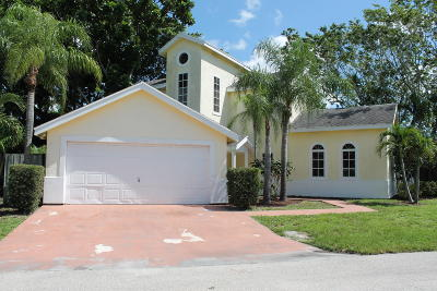 Jupiter Single Family Home For Sale: 9497 SE River Terrace