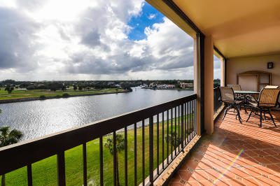 North Palm Beach Condo Contingent: 356 Golfview Road #607