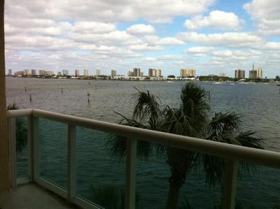 West Palm Beach Condo For Sale: 2640 Lake Shore Drive #309