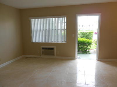 West Palm Beach Condo For Sale: 59 Norwich C #59