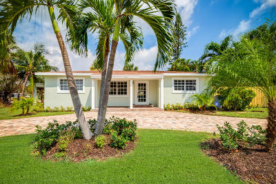 Delray Beach Single Family Home For Sale: 203 Seacrest Circle