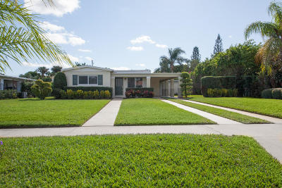 West Palm Beach Single Family Home Contingent: 256 Alhambra Place