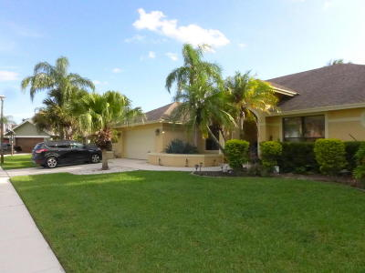 Wellington FL Single Family Home For Sale: $449,000