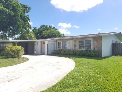 West Palm Beach Single Family Home For Sale: 114 Swan Parkway W