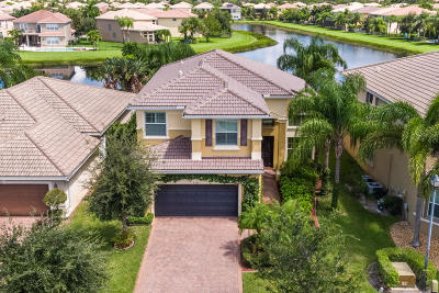 Boynton Beach Single Family Home For Sale: 8206 Emerald Winds Circle