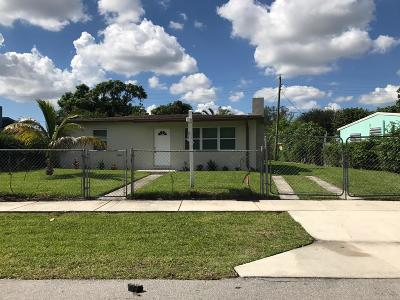 West Palm Beach Single Family Home For Sale: 516 Dogwood Road