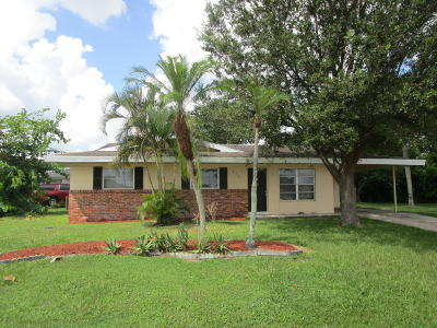 Port Saint Lucie Single Family Home For Sale: 710 SW Airoso Boulevard