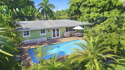 Boynton Beach Single Family Home For Sale: 697 Sunset Road