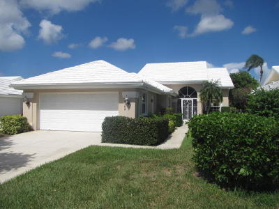 West Palm Beach Single Family Home For Sale: 2308 Saratoga Bay Drive