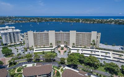 North Palm Beach Condo For Sale: 132 Lakeshore Drive #1118