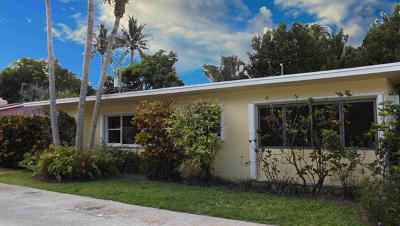 Broward County, Palm Beach County Single Family Home For Sale: 4 Belair Drive