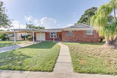 Lake Worth Single Family Home For Sale: 1302 Crest Drive
