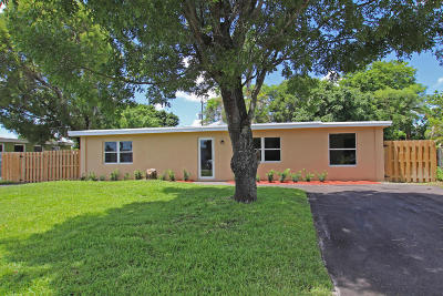 Lake Worth Single Family Home For Sale: 3927 Serubi Avenue